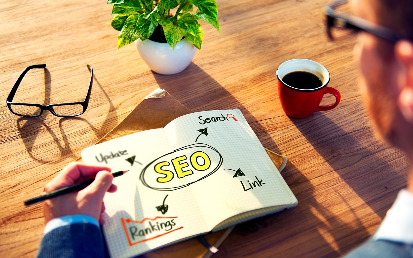 hipster writing seo concepts note